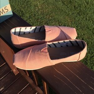 Toms coral pink heritage canvas classics